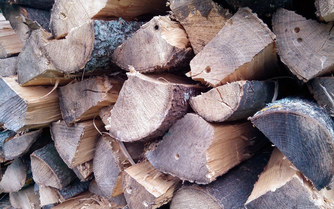 Kusové štípané palivové dřevo – DUB – vyschlé 1 až 2 roky
