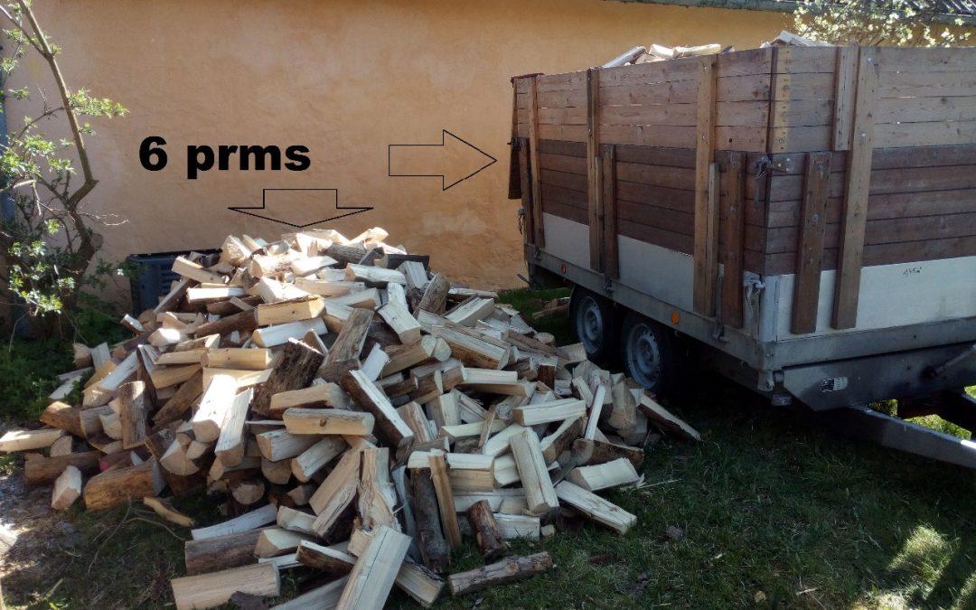 Kusové štípané palivové dřevo – SMRK – vyschlé 1 až 2 roky